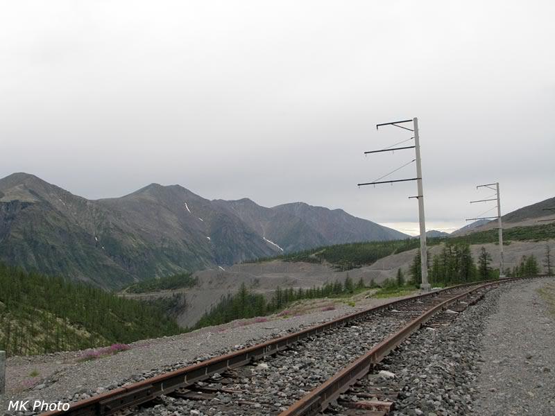 Железная дорога выходит в долину Нижнего Ингамакита
