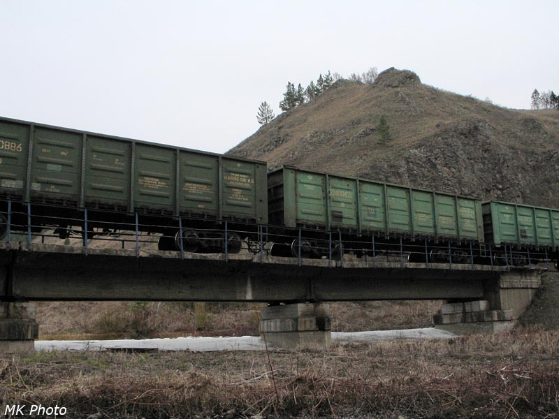 Поезд на мосту через р. Сартабан
