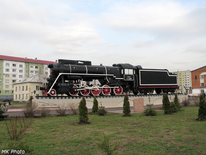 Паровоз-памятник Л номер 3808 в Междуреченске