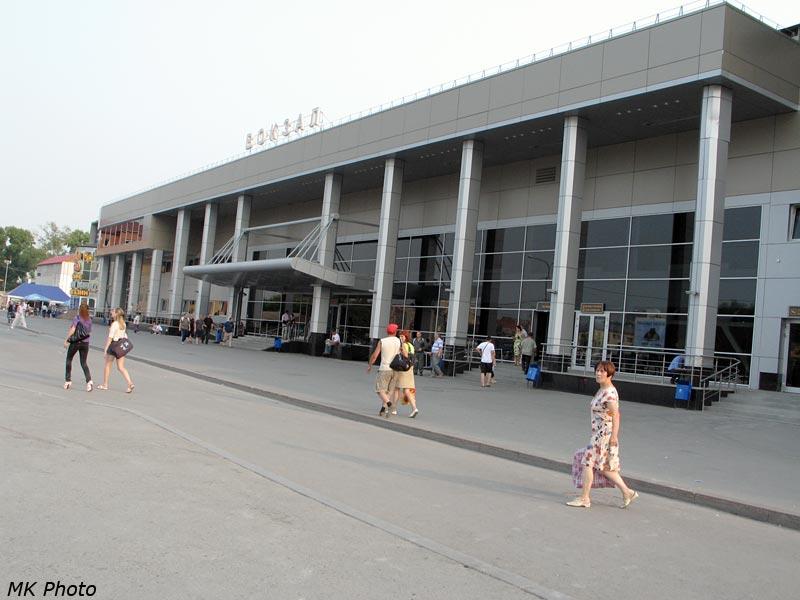 Вокзал Тюмень, вид с привокзальной площади