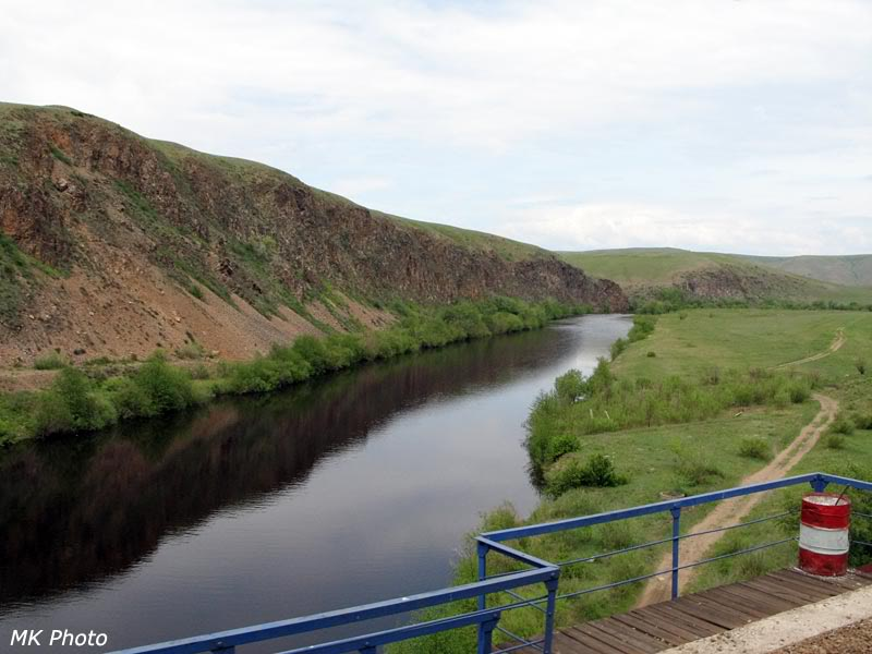 Река Куэнга с ж/д моста